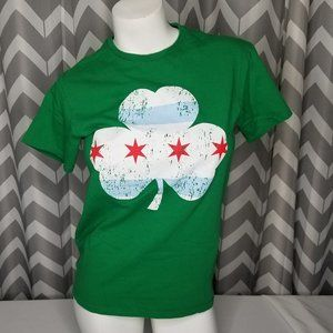 🔴CHICAGO Shamrock green tshirt
